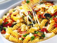 fusilli-al-forno-con-verdure-e-bacon