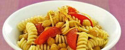 fusilli di grano kamut con ceci e pomodori ricetta