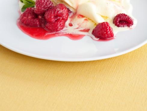 gelato-con-lamponi-caldi-al-grand-marnier immagine