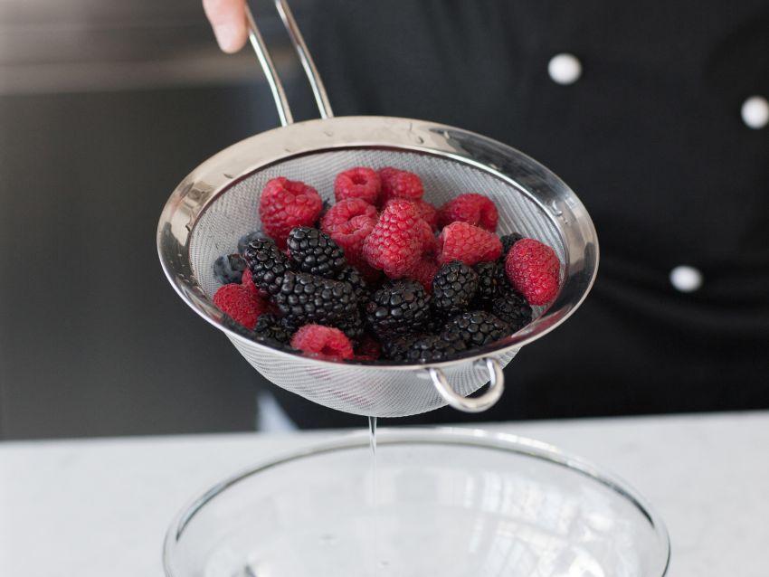gelato-di-ricotta-ai-frutti-di-bosco ricetta