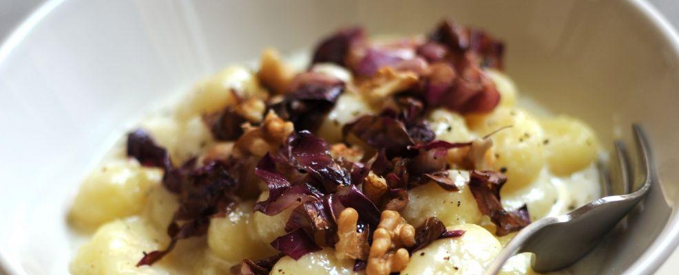 gnocchi-di-patate-con-taleggio-radicchio-e-noci