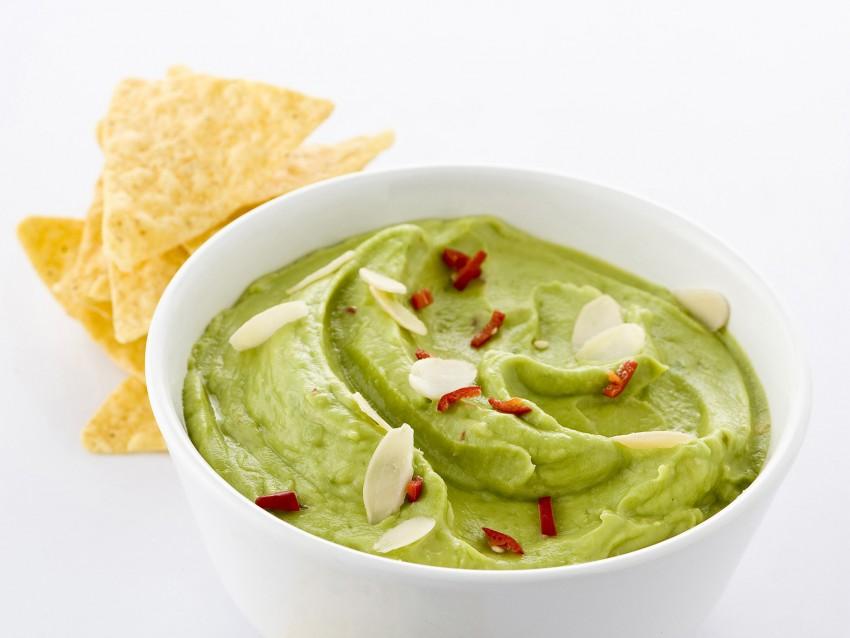 guacamole-messicana preparazione