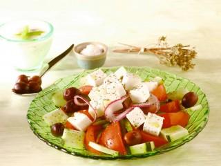 insalata-alla-greca-ricetta-sale-e-pepe