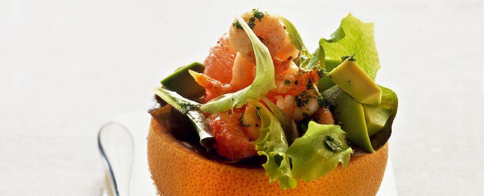 insalata con avocado e gamberetti nel pompelmo ricetta Sale&Pepe