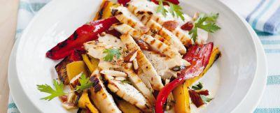 insalata con peperoni alle mandorle ricetta