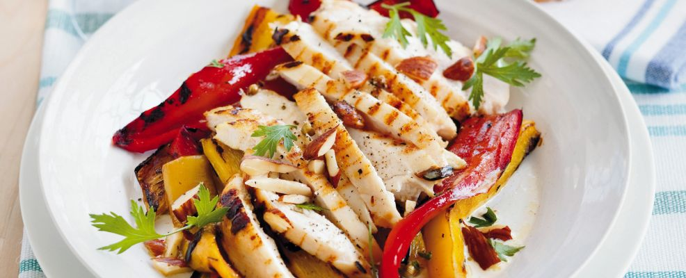 insalata con peperoni alle mandorle ricetta Sale&Pepe