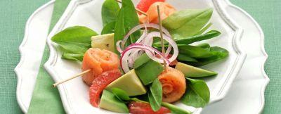 insalata di avocado e pompelmo rosa ricetta