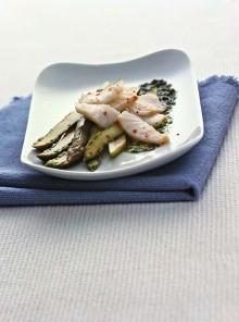 L'insalata di baccalà e asparagi in salsa verde