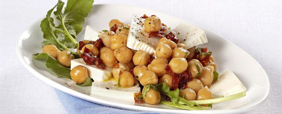 insalata-di-ceci-e-pomodorini-secchi