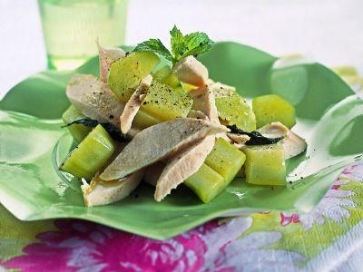 insalata-di-pollo-con-cetrioli-profumati-alla-menta