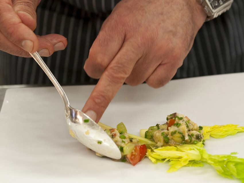 insalata-tiepida-di-canederli-allo-speck immagine