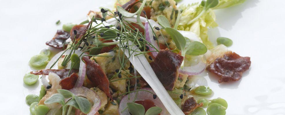insalata-tiepida-di-canederli-allo-speck preparazione