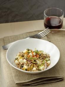 Insalata tiepida di farro con pecorino e verdure