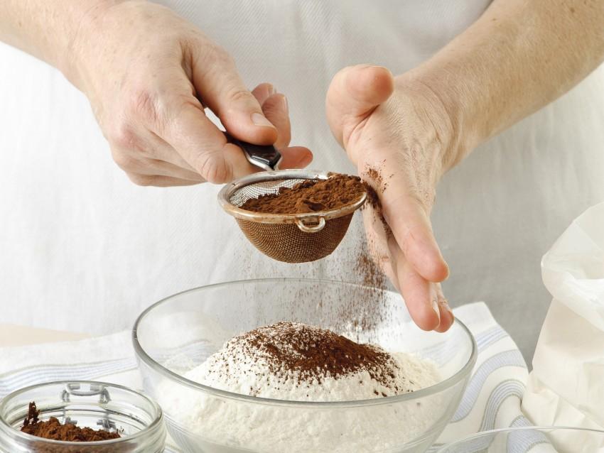 frolla al cioccolato per le crostatine fiorite Sale&Pepe preparazione