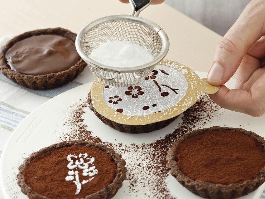 frolla al cioccolato per le crostatine fiorite Sale&Pepe immagine