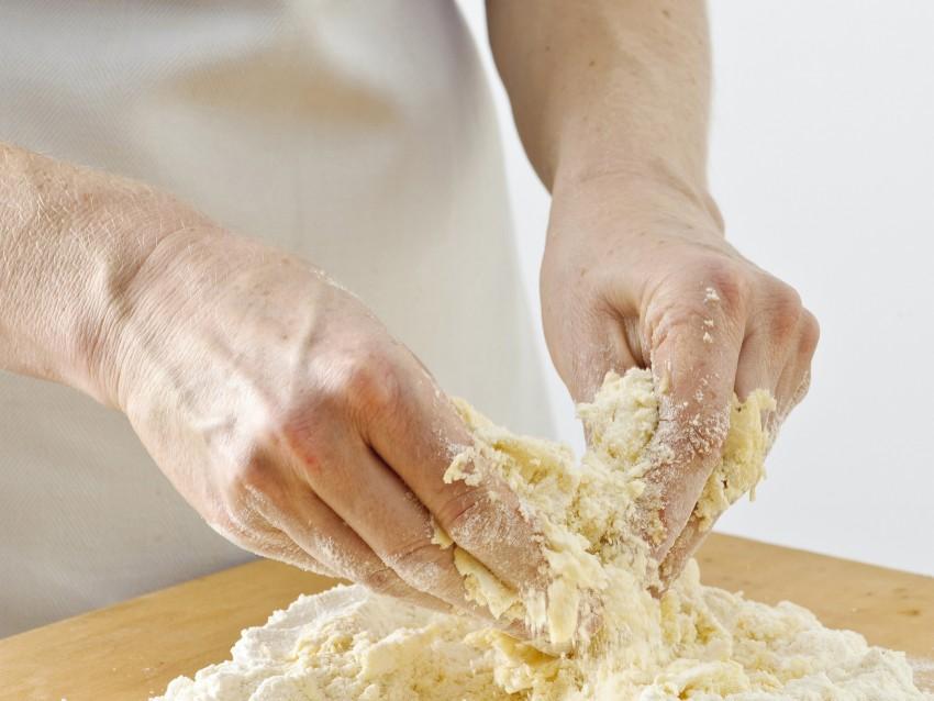 pasta base e cottura della crostata Sale&Pepe