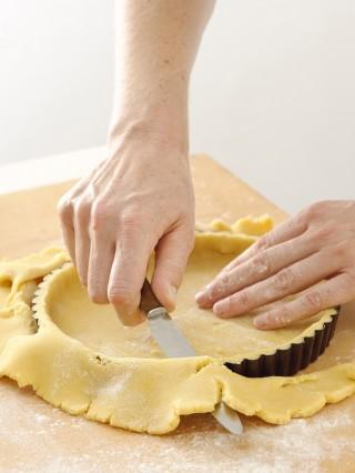 pasta base e cottura della crostata Sale&Pepe preparazione