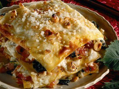 lasagne con bietole, nocciole e speck