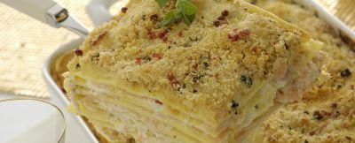 lasagne con carpaccio di salmone e robiola foto