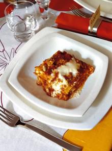 Le lasagne con ragù di carni miste
