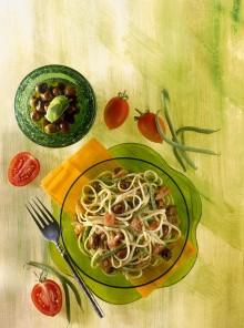 Linguine con olive pesto e fagiolini