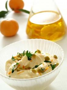 La maionese con olio aromatico