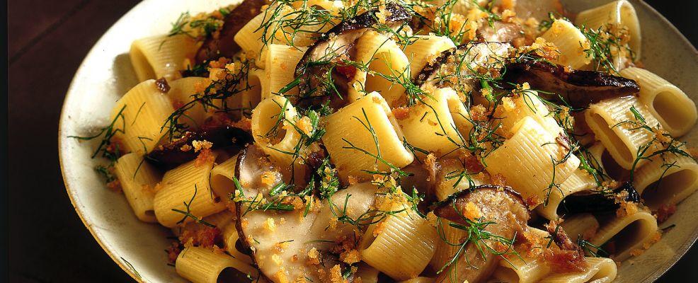 mezze-maniche-con-porcini-mollica-e-finocchietto ricetta Sale&Pepe