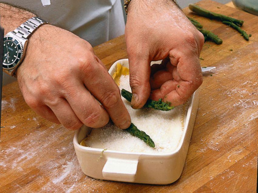 millefoglie-gratinata-con-asparagi-e-pancetta preparazione