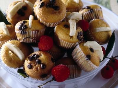 mini muffins con banane e cioccolato