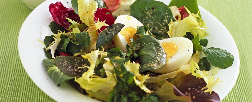 mix-di-primavera-con-uova-sode