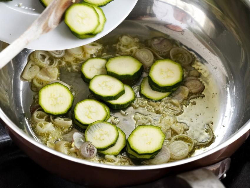 orzotto-con-zucchine-e-fiori-di-zucca ricetta