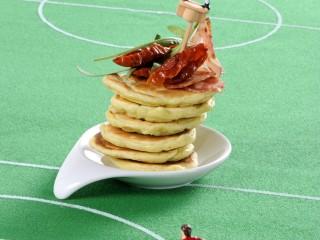pancakes-con-pomodorini-e-salame