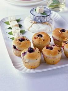 Il pane al rosmarino con l'uva
