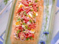 panzanella-ricca-con-tonno-uova-e-cipolle