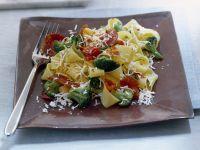 pappardelle-con-ricotta-broccoli-e-salame