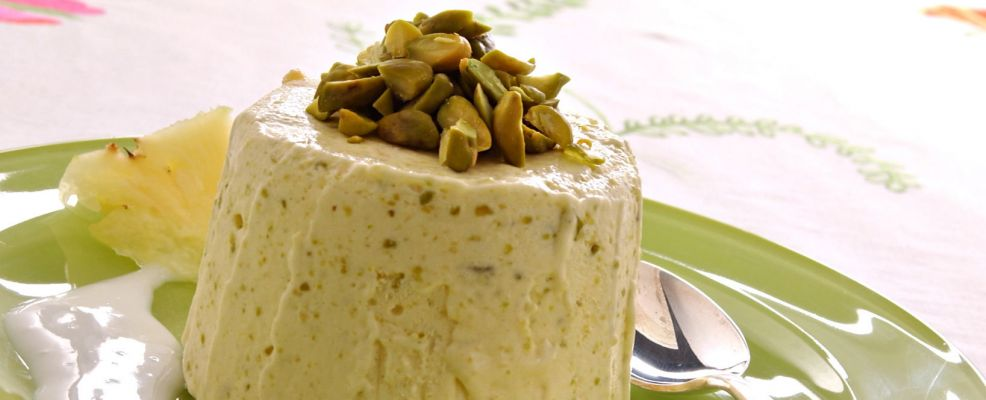 parfait-ai-pistacchi-in-salsa-di-latte-di-mandorle