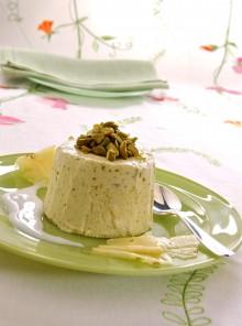 Il parfait ai pistacchi in salsa di latte di mandorle