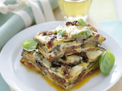 parmigiana di melanzane e zucchine al pesto rosso ricetta