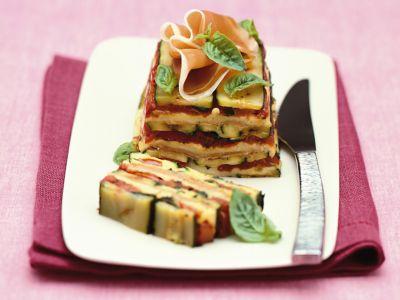 parmigiana-di-zucchine-con-mozzarella-e-basilico