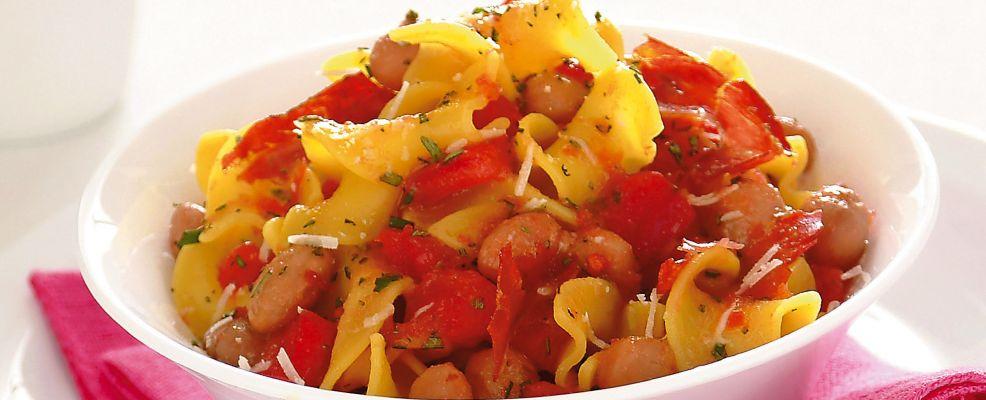 pasta-con-pancetta-tostata-in-guazzetto-di-pomodoro