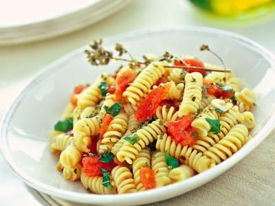 pasta-con-sugo-alla-crudaiola