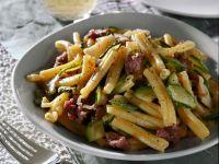 pasta-con-zucchine-e-salamelle ricetta Sale&Pepe