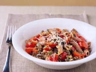 pasta-di-farro-con-lenticchie-e-pomodorini