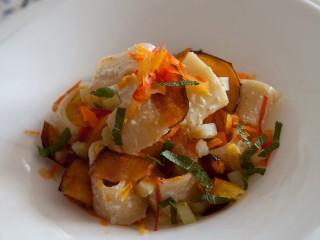 pasta-fredda-con-peperoni-melanzane-e-frutta-secca ricetta