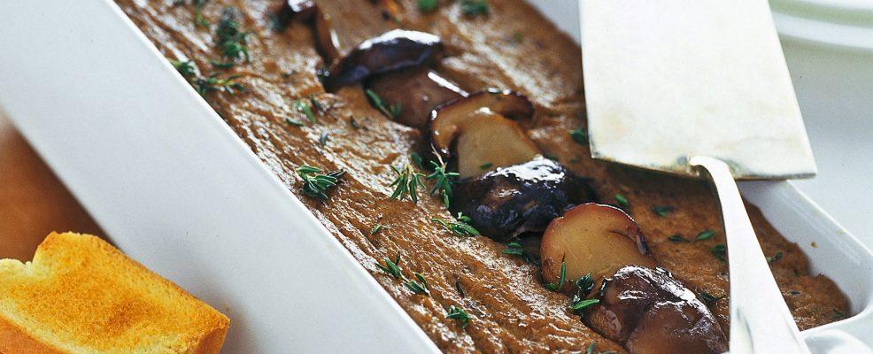 pate-alla-boscaiola-con-timo-e-scalogno ricetta