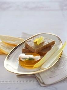 Il paté di fegato con rondelle di gelatina