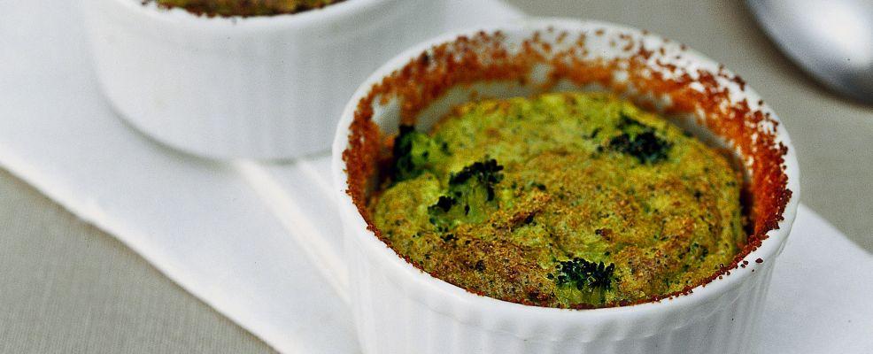 piccoli soufflé speziati ai broccoli Sale&Pepe ricetta