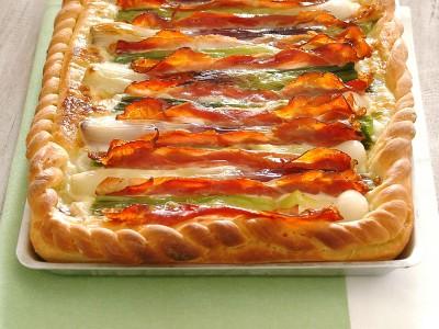 pizza-con-cipollotti-crescenza-e-speck