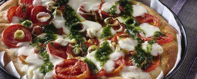 pizza con pomodori freschi e crescenza ricetta