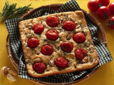 pizza rustica al rosmarino ricetta